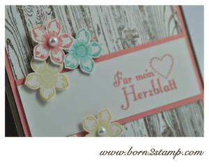STAMPIN' UP! Valentinskarte mit Hardwood und Banner Blast : Im Fähnchenfieber und Ein duftes Duzend und Petite Petals
