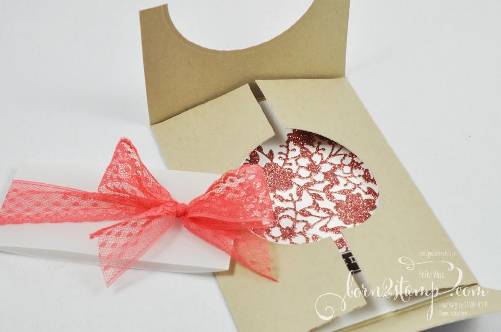 born2stamp STAMPIN' UP! Hochzeitskarte - DSP Liebesblueten - Punkte-Spitzenband - Thinlits Liebesblueten