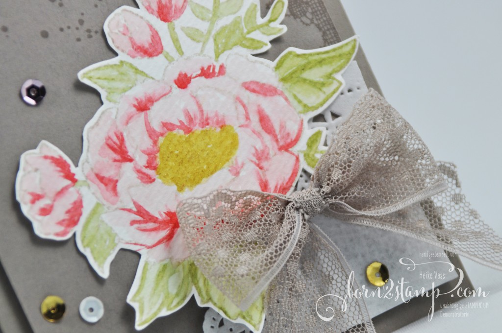 born2stamp STAMPIN' UP! Mutertagskarte - Geburtstagskarte - Geburtstagsblumen - Timeless Textures - Glitzer-Pinselstift - Puenktchen-Spitzenband