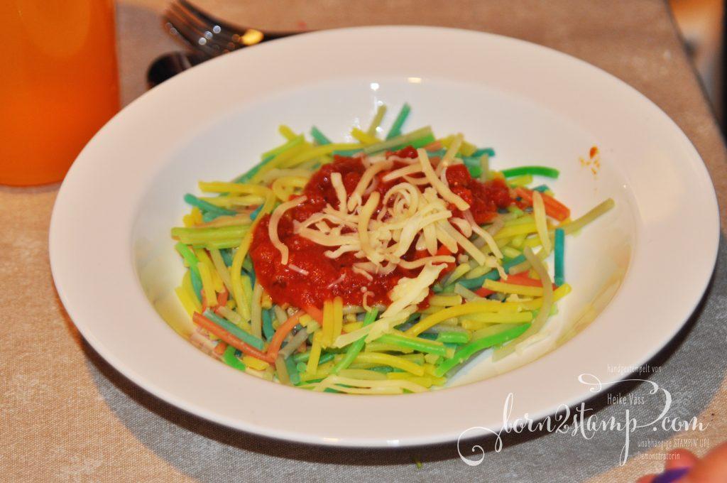 born2stamp STAMPIN' UP! Regenbogenparty Geburtstag bunte Spaghetti