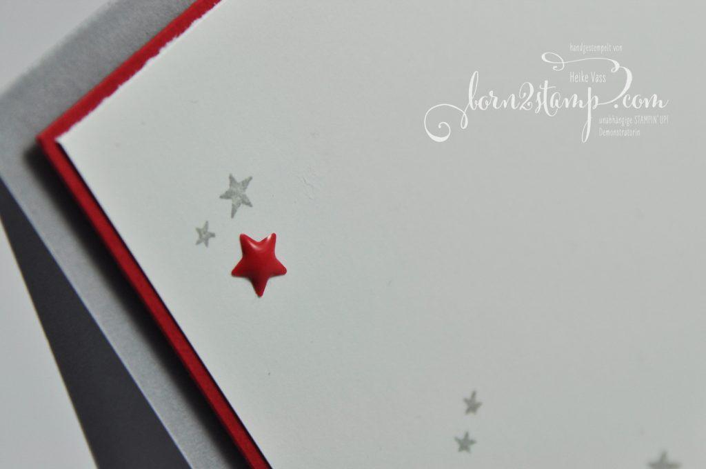 STAMPIN' UP! - IN{K}SPIRE_me - born2stamp - Weihnachtskarte - Weihnachten daheim - Zier-Etikett - Dekobordüre - Metallic-Schneeflocken - Lackakzente